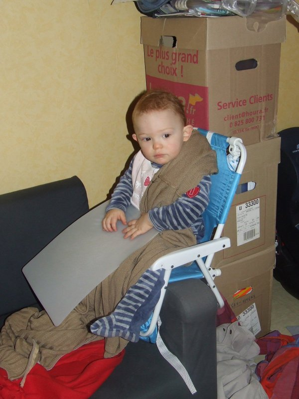 Mon fils news video du monstre l oeuvre b b s for Peri y canape